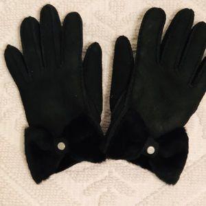Ugg Sheepskin/Fur Gloves with Bow, Black